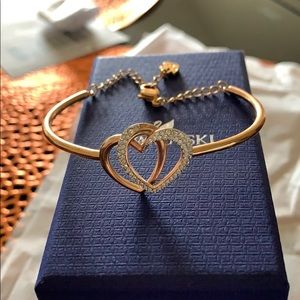 Swarovski heart bangle